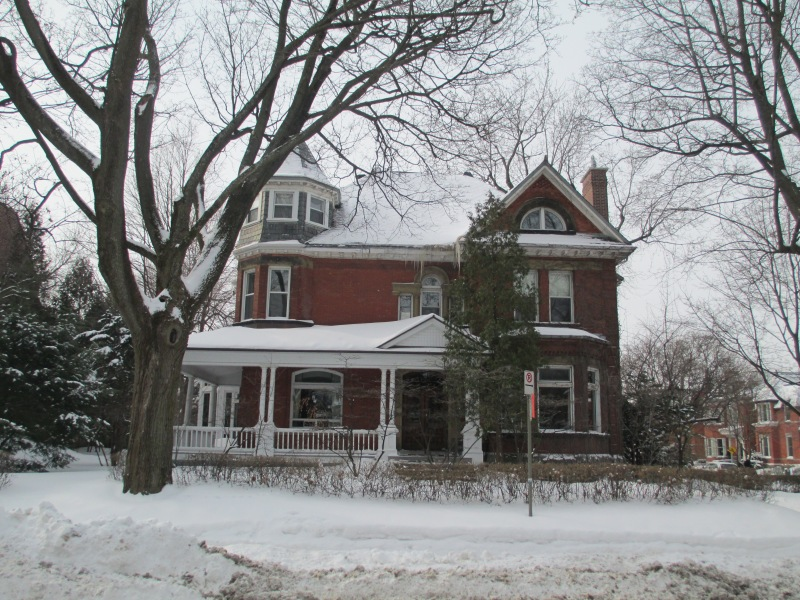 374 Metcalfe Avenue